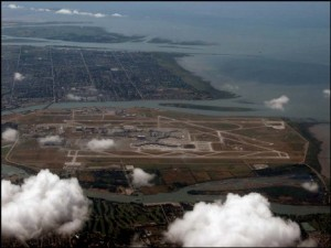 Акция к 80-летии аэропорта Ванкувера