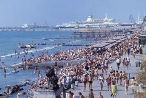 Чем объяснить популярность туризма в Крыму?