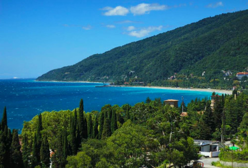 Когда лучше отдыхать в Абхазии
