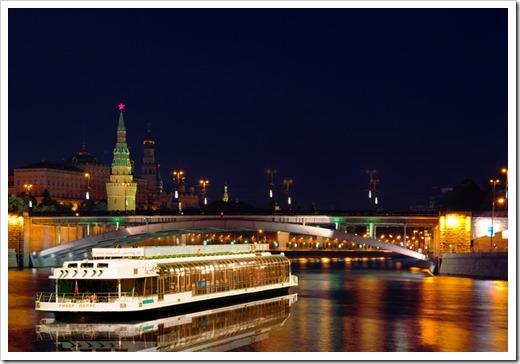 Самые популярные круизы по Москве-реке
